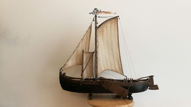 """Valentinas Gvozdevas baigęs mokslus gyvenimo kelią pradėjo """"Baltijos"""" laivų statykloje. Nors seniai jau ten nebedirba, laivų modelius tebekonstruoja - savo malonumui."""